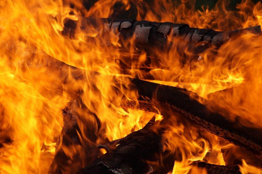 В Кемерове горело здание овощехранилища
