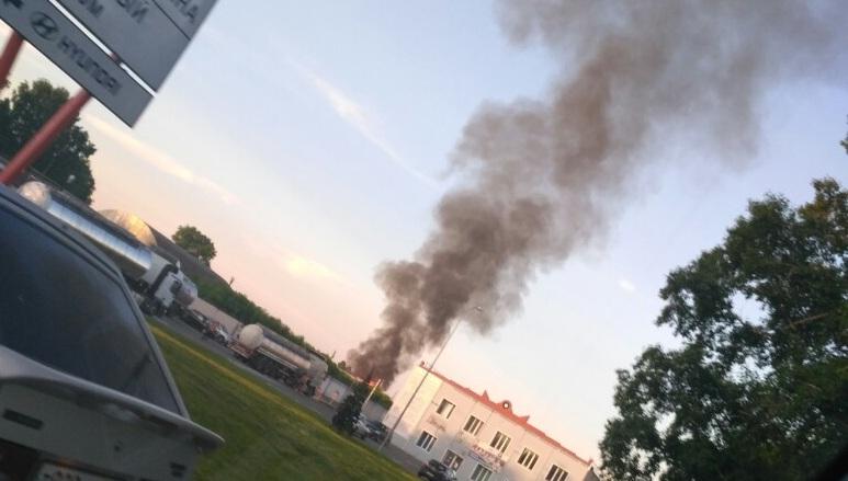 В Ленинском районе Кемерова снова произошёл пожар, возгорание сняли на видео