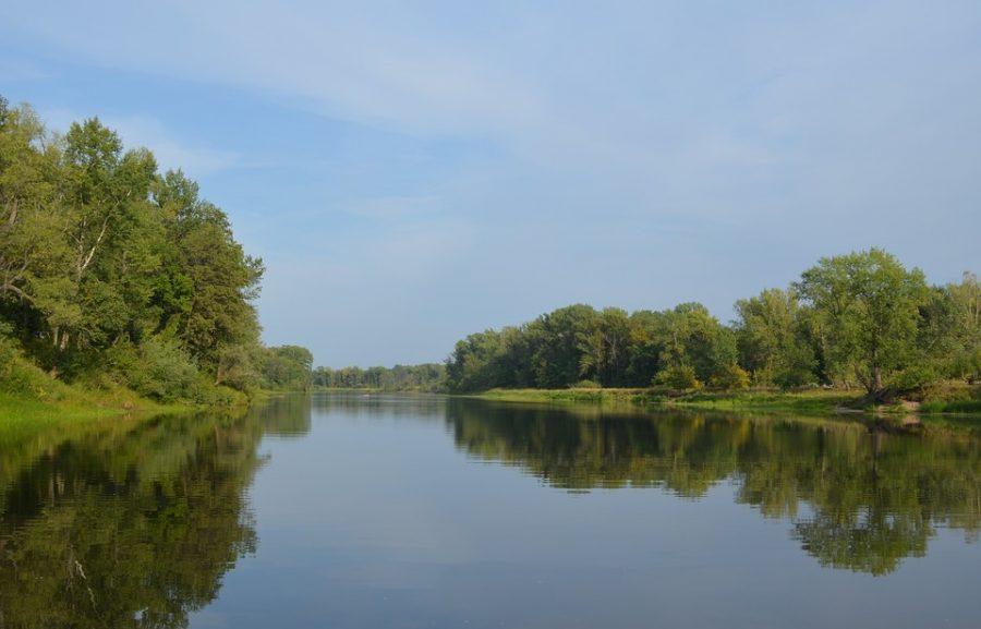 В Новокузнецке в реке Томь под мостом нашли тело женщины