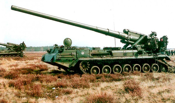 Артиллеристы в Кузбассе получили 12 самоходных пушек «Малка»
