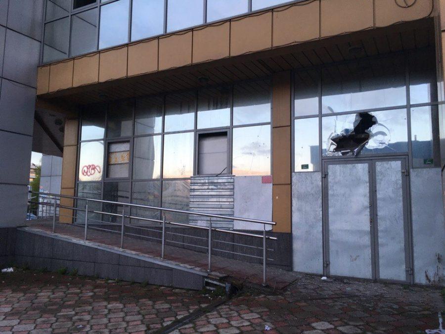 В Новокузнецке заброшенный магазин, где дети устраивали опасные игры, купили