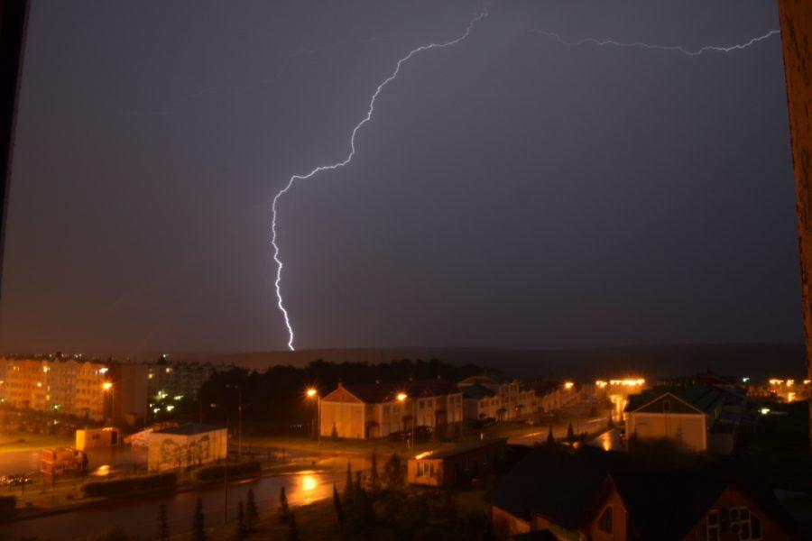 Энергетики восстановили электроснабжение в районах Кузбасса после урагана
