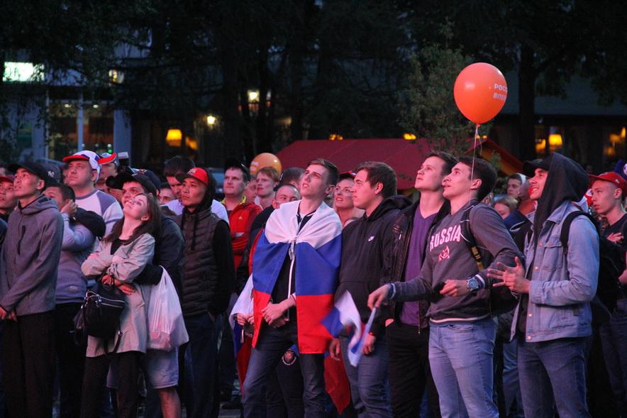 Трансляции матчей ЧМ на бульваре Строителей в Кемерове посмотрели более 41 000 человек