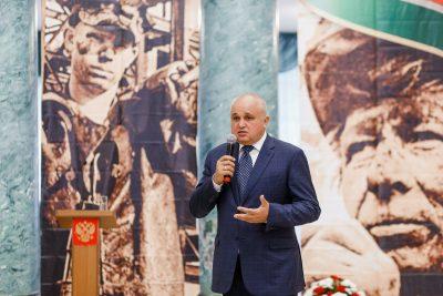 Врио губернатора Кузбасса провёл встречу с семьями погибших шахтёров