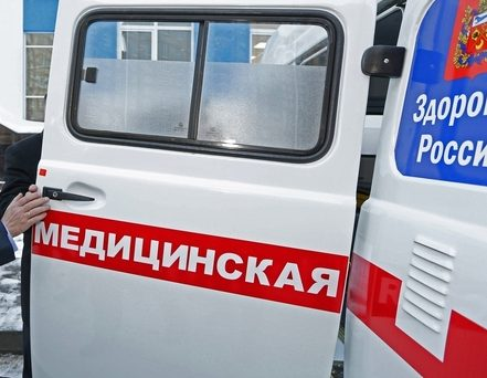 В Новокузнецке из окна больницы выпала пожилая пациентка