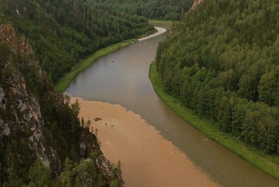 Кузбасские власти ищут виновного в загрязнении реки Кия