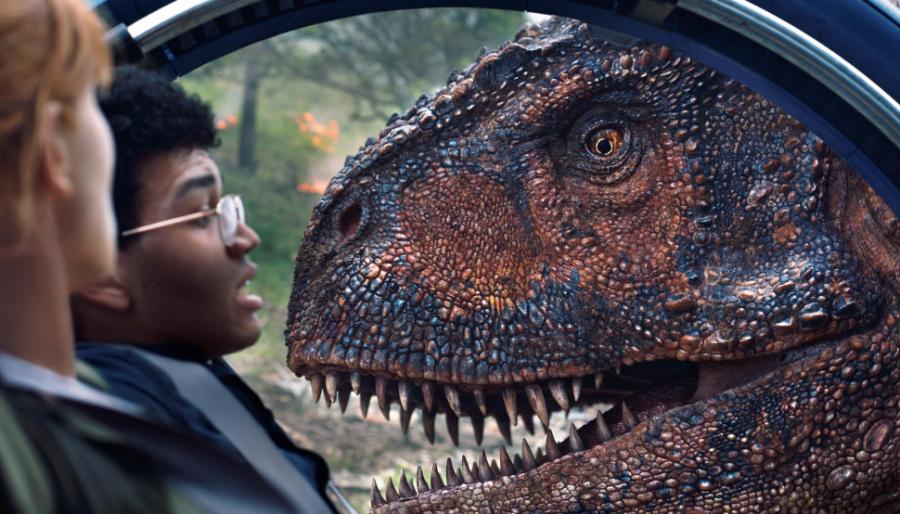 Фильм Мир Юрского периода 2 в мировом прокате собрал более миллиарда долларов