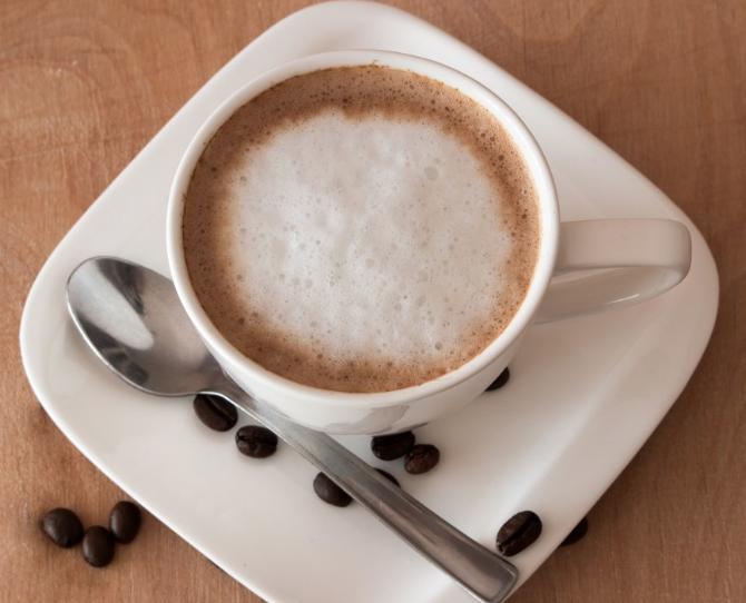 Россияне сократили покупки кофе, шоколада и молока в июне