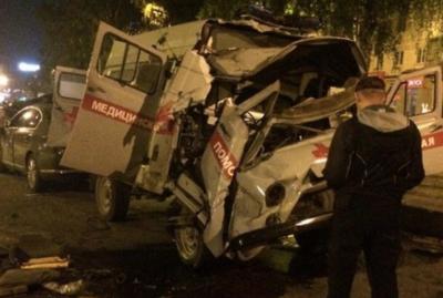 В Сети появилось видео последствий смертельного ДТП с участием скорой в Новокузнецке