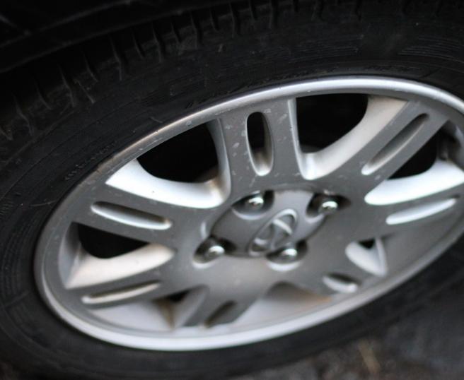 В Тюмени оштрафовали водителя, который прокатил полуобнажённого пассажира в ванне на колёсах
