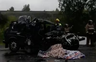 В ДТП на выезде из Кемерова один человек погиб, четверо пострадали