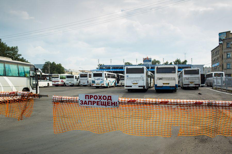 Во время проверки автобусов в Кемерове выявили 13 нарушений