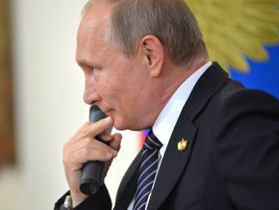Путин назвал российских футболистов героями, несмотря на их поражение в матче с Хорватией