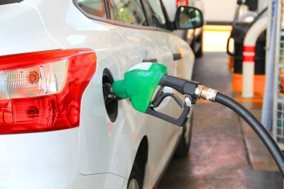 Россия попала в топ-10 стран с самым дешевым бензином