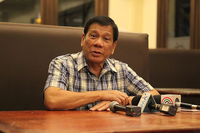 Президент Филиппин пообещал покинуть пост, ежели  ему докажут существование Творца