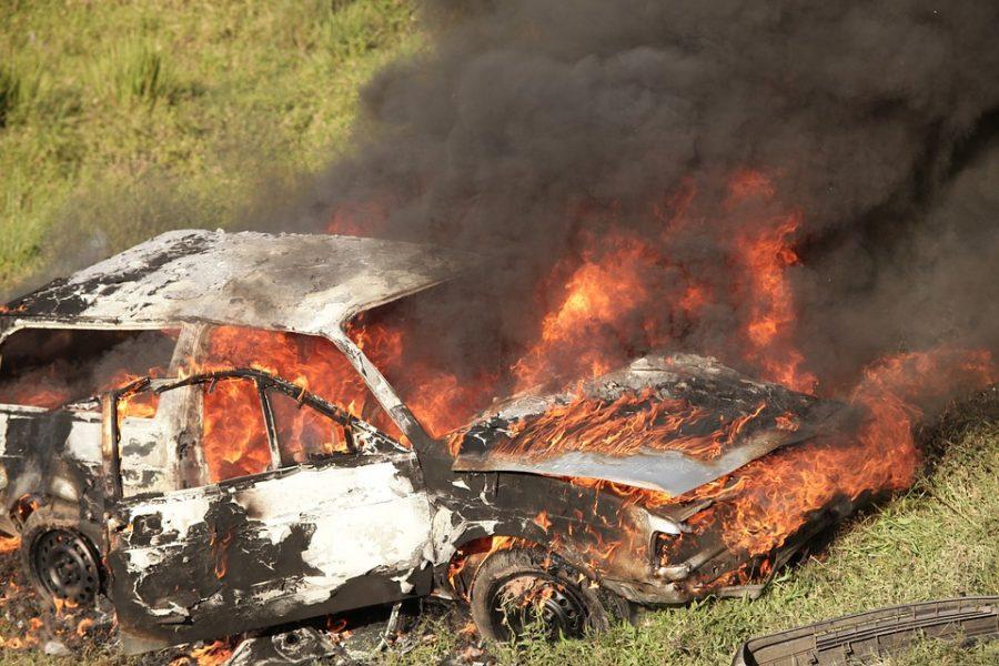 За сутки в Кузбассе сгорели две машины