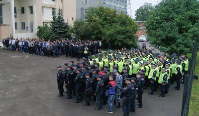 В Ленинском районе Кемерова полицейские проверили на розыск 377 человек