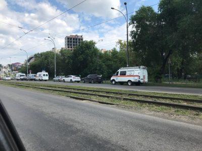 В Кемерове под Искитимским мостом обнаружили раненную ножом женщину