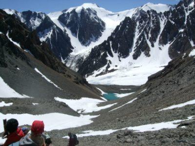 Турист из Новокузнецка сорвался с горы в Горном Алтае и погиб