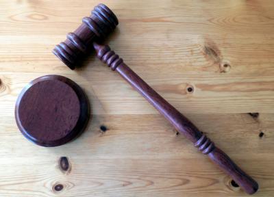 Кузбассовец получил условный срок за истязание несовершеннолетнего сына