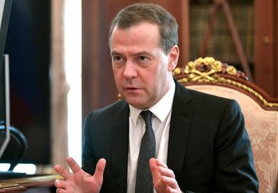 Дмитрий Медведев не исключил уголовного наказания за увольнение пожилых работников