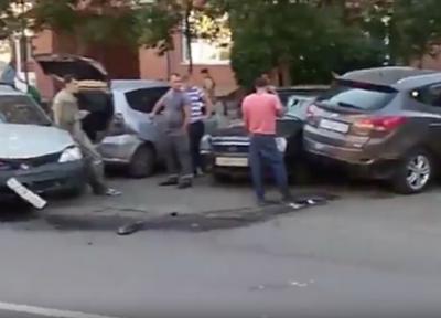 В ГИБДД рассказали подробности ДТП с участием пяти авто в Кемерове