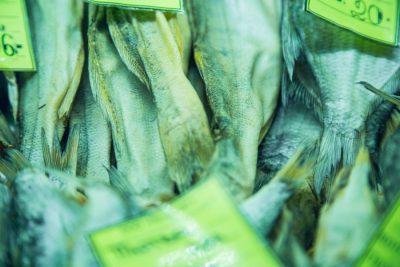 В Кузбассе магазин разливных напитков оштрафовали на 150 тысяч за продажу опасной рыбы