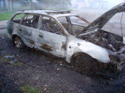 В Новокузнецке задержали подозреваемого в поджоге двух авто