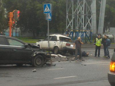 Опубликованы фото последствий серьёзного ДТП в Ленинском районе Кемерова