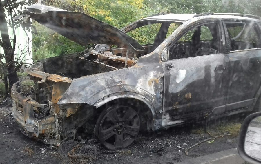 Последствия пожара в кроссовере Opel в Новокузнецке сняли на фото