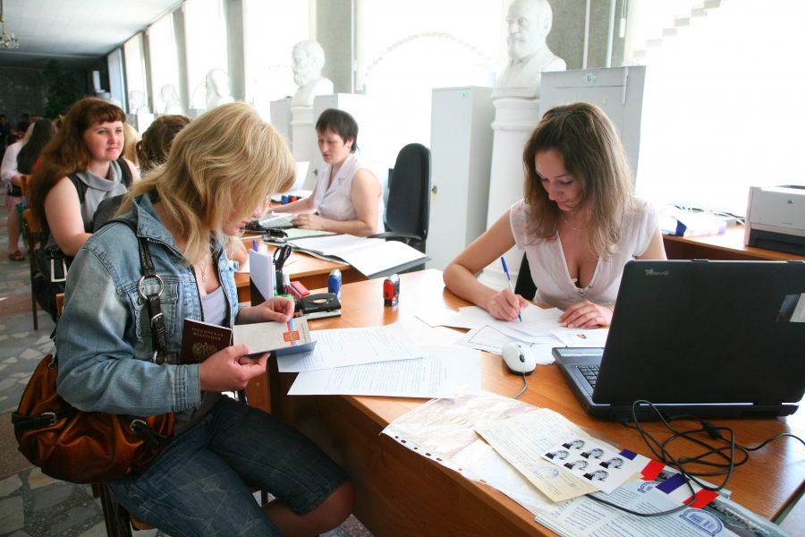 Конкурс в русские университеты составил около девять человек наместо в 2018