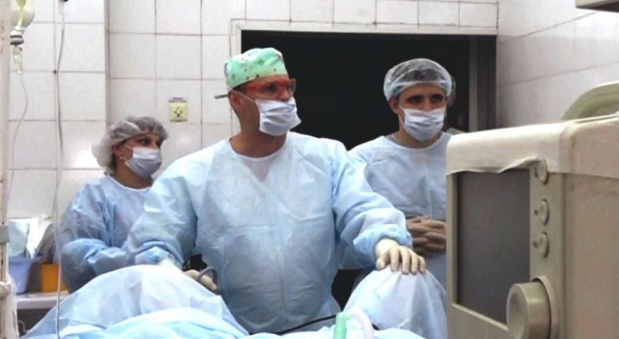 Кемеровские урологи смогли удалить большую опухоль через проколы
