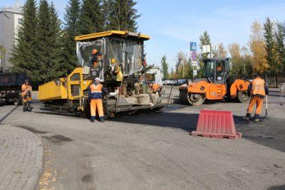 Когда планируют завершить основные работы по укладке асфальта на Островского в Кемерове