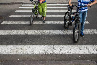 В Кемерове специалисты обновили более 1800 «квадратов» разметки на пешеходных переходах