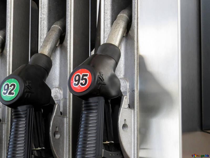 Кемерово попал в рейтинг городов со стремительным ростом цен на бензин