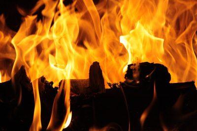 В Анжеро-Судженске на территории транспортного предприятия произошёл пожар
