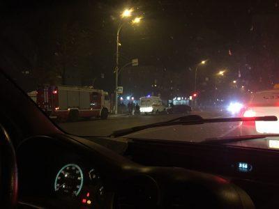 В Центральном районе Кемерова столкнулись Lada и Toyota, на месте работала скорая и МЧС
