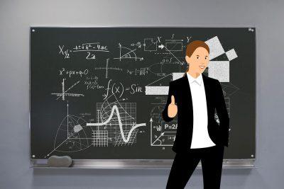 Кузбассовцы рассказали, как часто общаются со школьными учителями