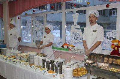 Кемеровских школьников обещают кормить как в ресторанах