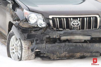 В тройном ДТП с Land Cruiser в центре Новокузнецка пострадали две женщины