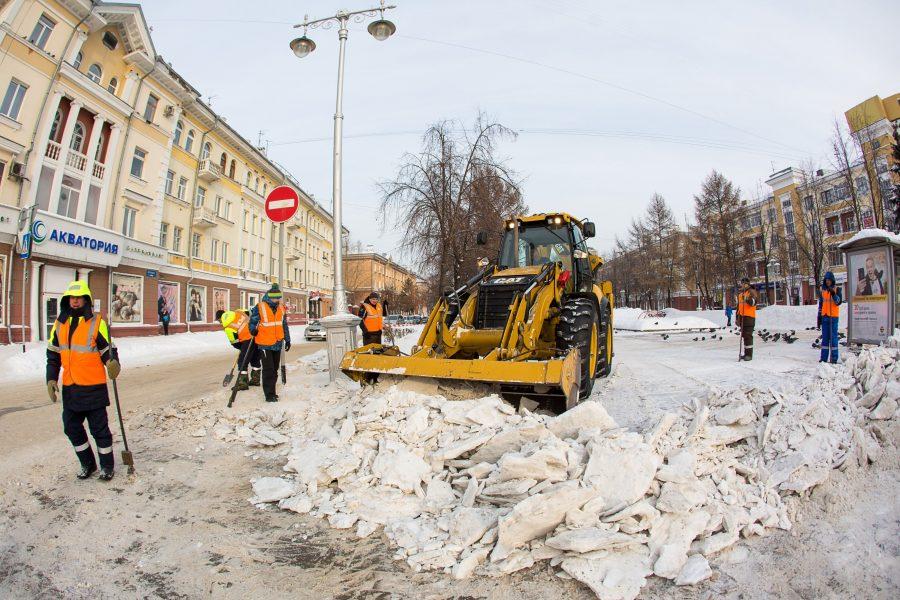 Почти 200 жалоб за сутки: как в Кемерове борются со снегом