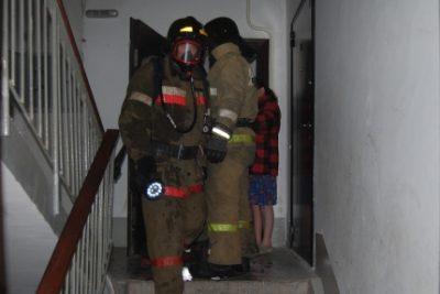 Новокузнечанин чуть не погиб из-за пожара в многоэтажке