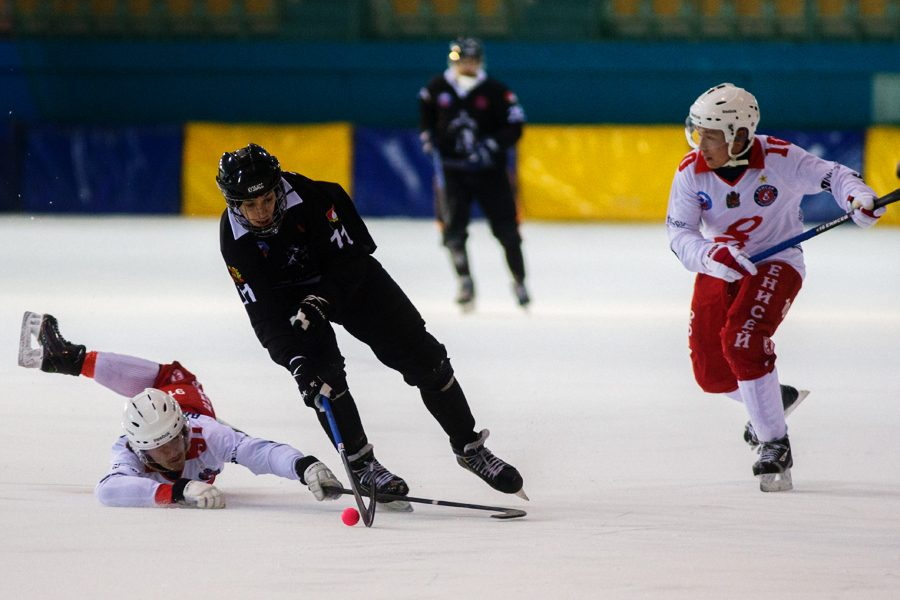 Кузбасских хоккеистов включили в сборную страны