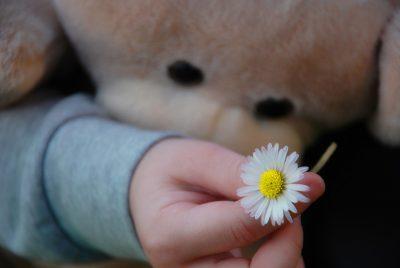 Трёхлетняя новокузнечанка «сбежала» на улицу от спящего отца