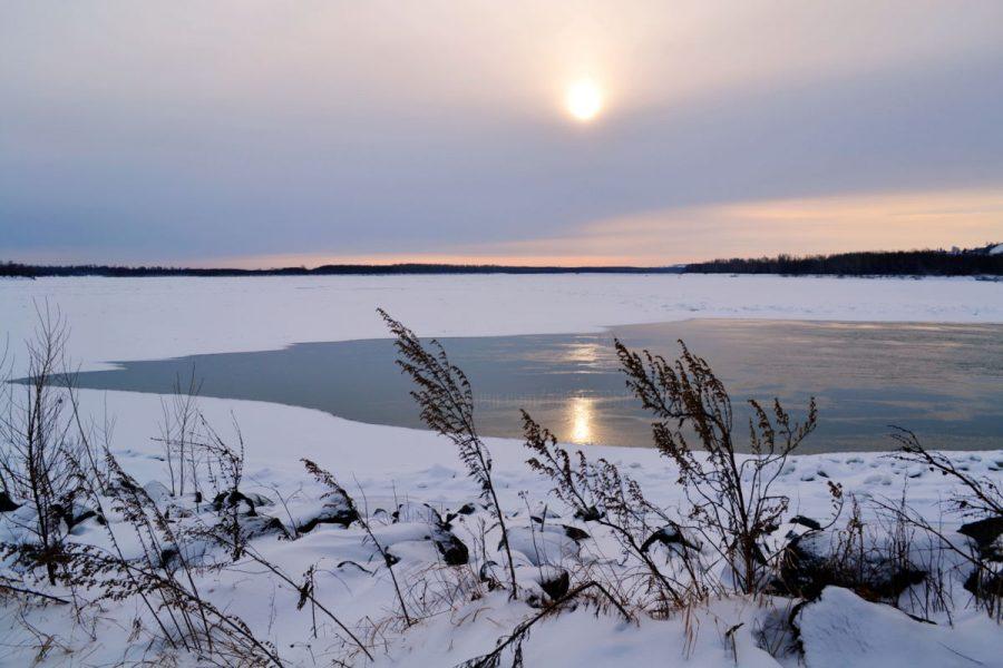 В Кузбассе утонул снегоход: двое погибли