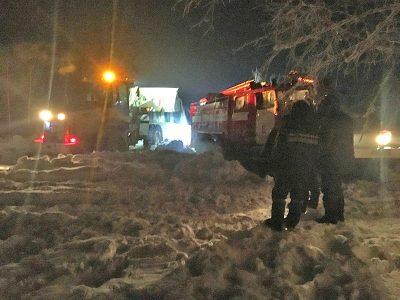 Шесть часов спасатели откапывали 20 человек, застрявших в снегу