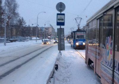 Фото: в кемеровском трамвае пассажир потерял сознание и остановил всю ветку