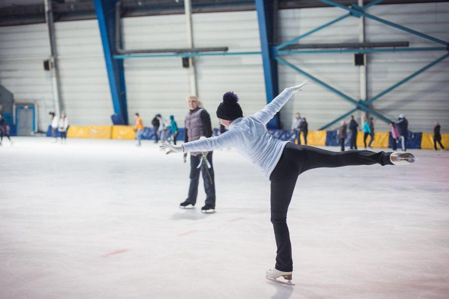 Где в Кемерове можно покататься на коньках