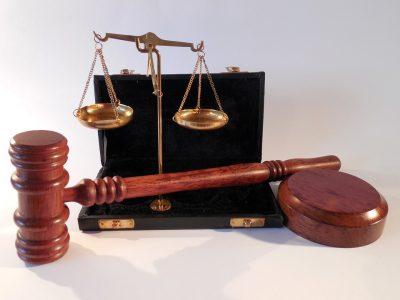 В Кузбассе женщине грозит тюремный срок за найденный телефон