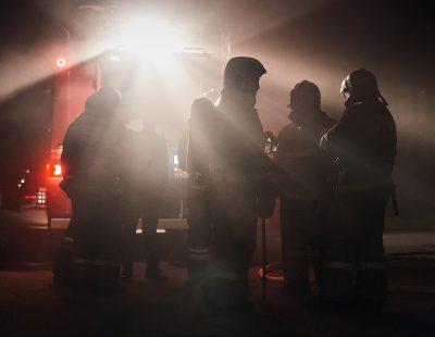 ЧП на двух этажах, десятки эвакуированных и пострадавший: что случилось утром в Кемерове